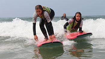 Surf Educates / Surf Lessons