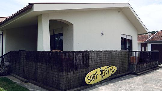 """Surf & Stay <h6><span style=""""color: #ffffff"""">Descobre mais em Porto Surf <i class=""""fa fa-external-link""""></i> </span></h6>"""